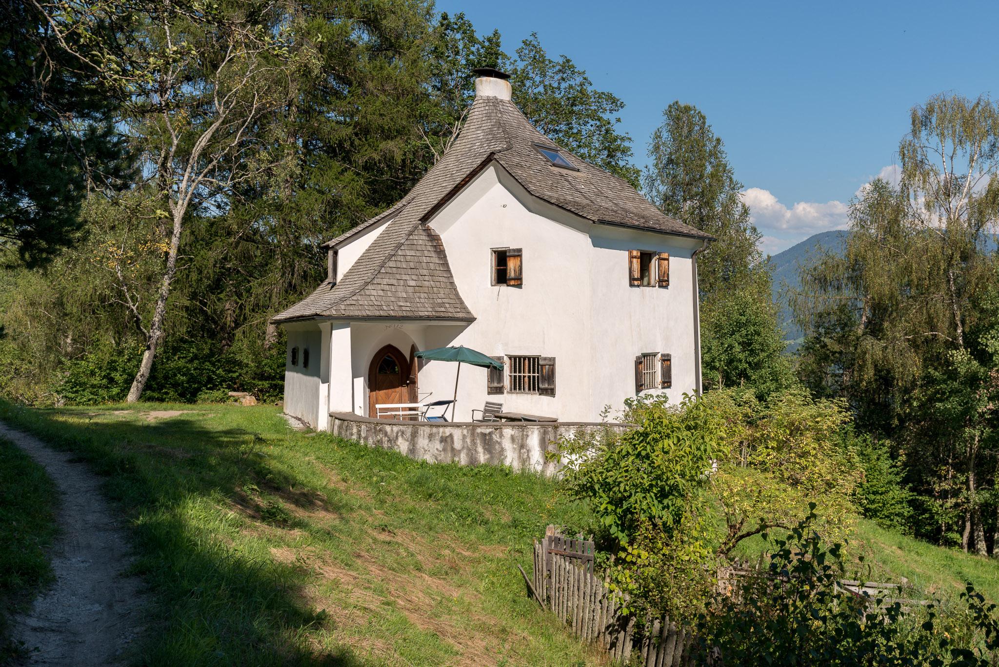 Die Welzenbacher Villa wird auch liebevoll Kaffeemühle genannt und ist eine Dependance von Briol.