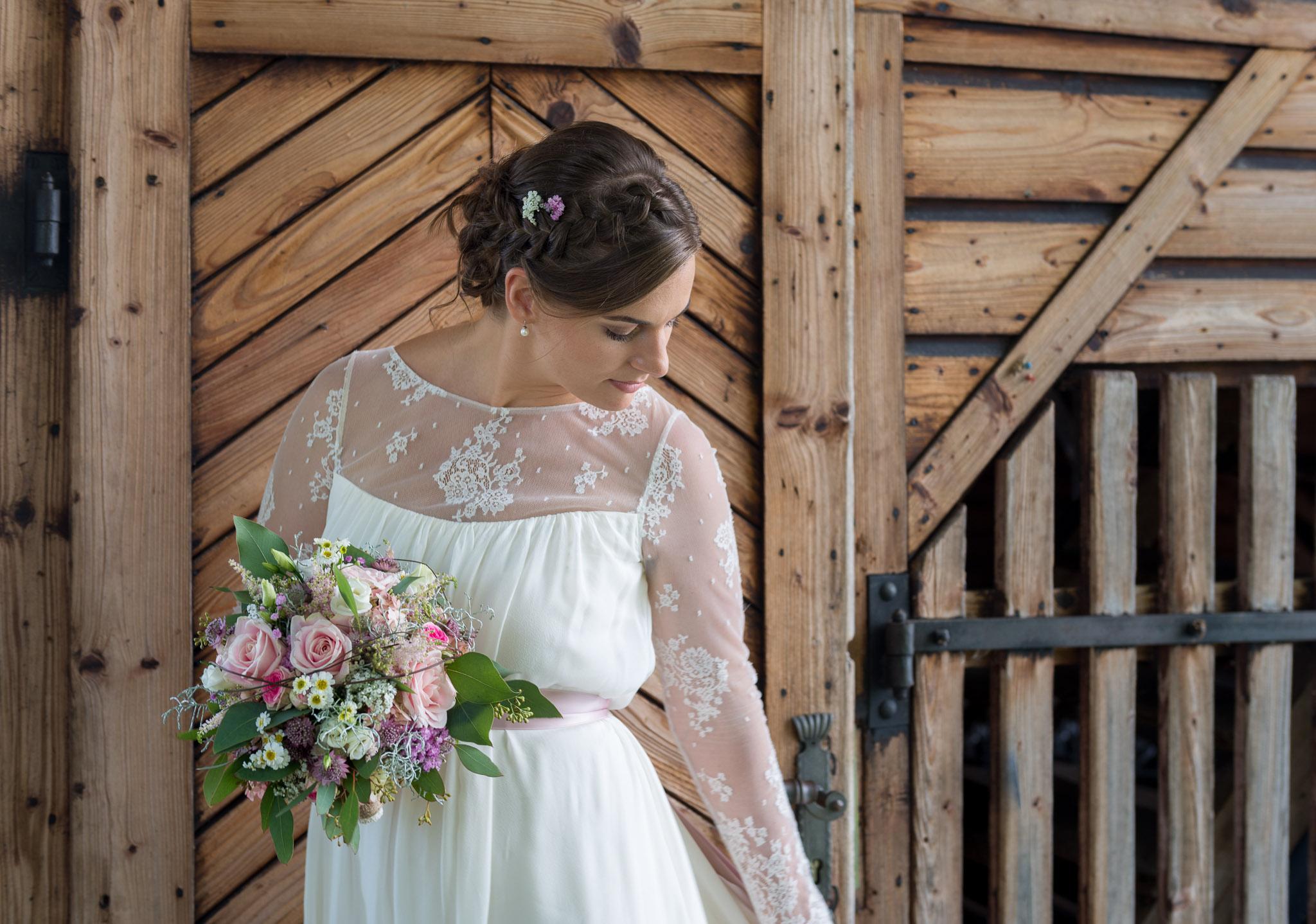 Hochzeit am Attersee, Braut mit Brautstrauß