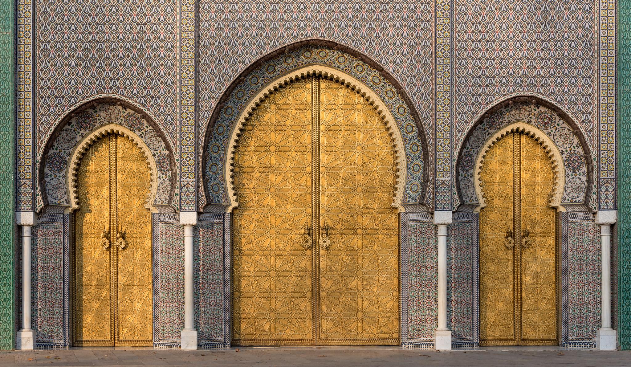 Die goldenen Tore des Königspalasts in Fes